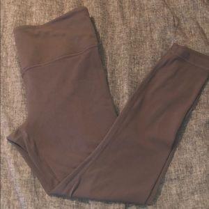 Pants - Athleta salutation 7/8 Leggings